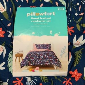 Pillowfort Floral Twin Bedding Set - Dorm Bedding